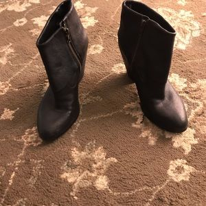 Black Leather Women's Ankle Boots size 6.5